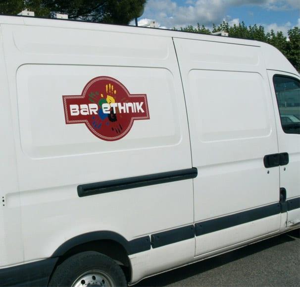 marquage publicitaire sur le camion du bar ethnik